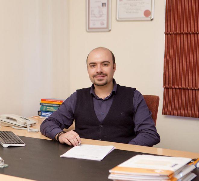 Dr. Erkan Kuru